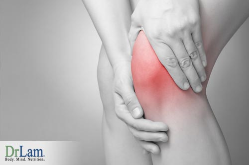 A knee that looks red and inflamed due to inflammation circuit dysfunction