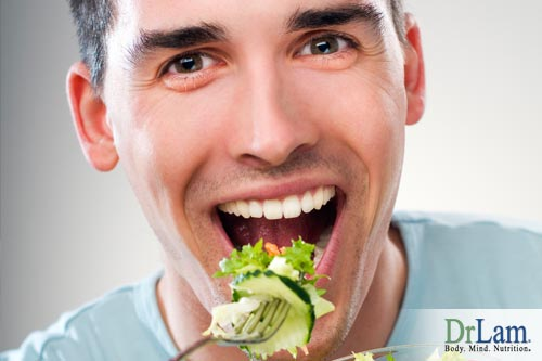 A man eating a salad on the Blood Type Diet